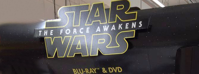 Star Wars: Force Awakens este disponibil in magazine pe Blu-ray si DVD!
